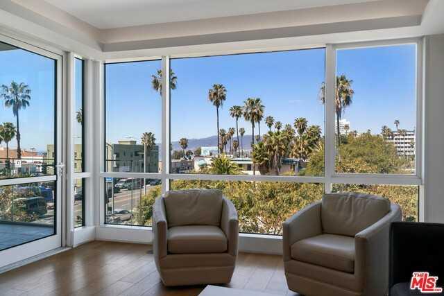 $2,550,000 - 2Br/Ba -  for Sale in Santa Monica