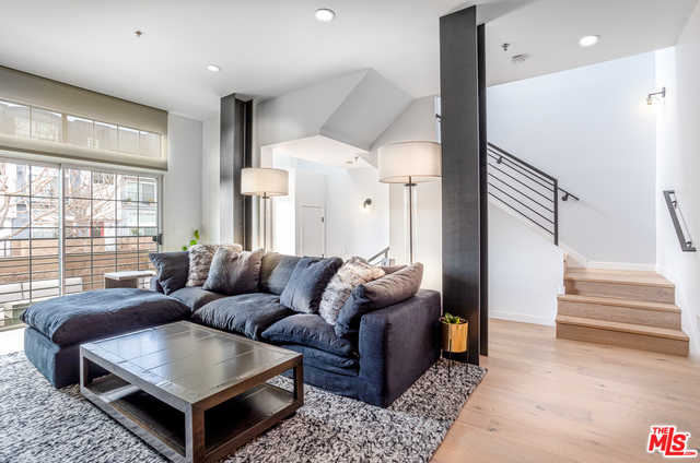 $1,449,000 - 3Br/Ba -  for Sale in Los Angeles