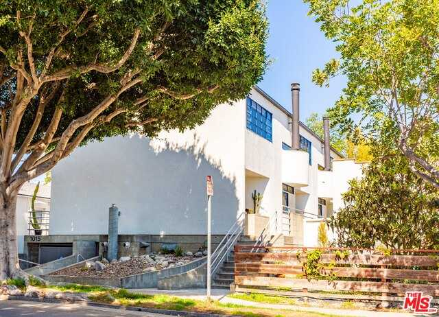 $1,100,000 - 2Br/Ba -  for Sale in Santa Monica