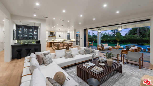 $22,995,000 - 8Br/Ba -  for Sale in Los Angeles