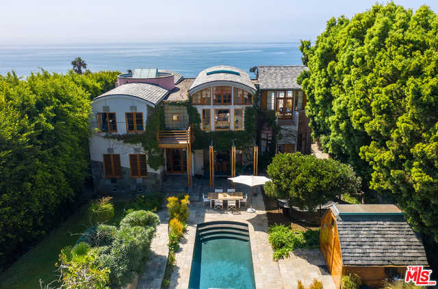 $9,450,000 - 5Br/Ba -  for Sale in Malibu