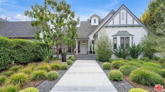 $4,725,000 - 4Br/Ba -  for Sale in Santa Monica