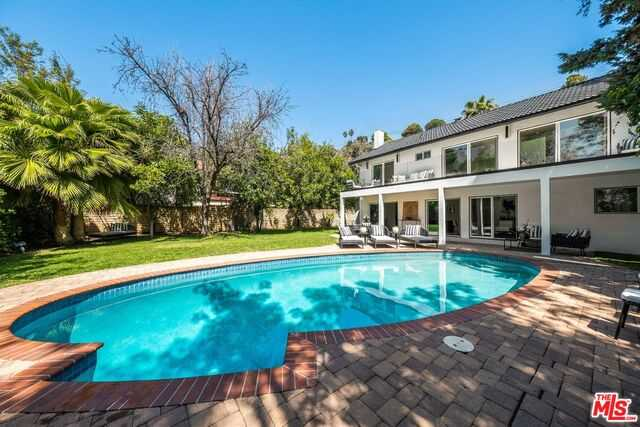 $2,750,000 - 4Br/Ba -  for Sale in Beverly Hills