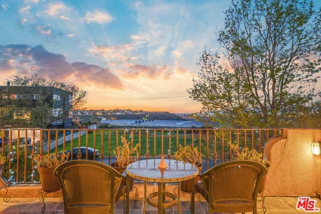 $2,500,000 - 4Br/Ba -  for Sale in Los Angeles