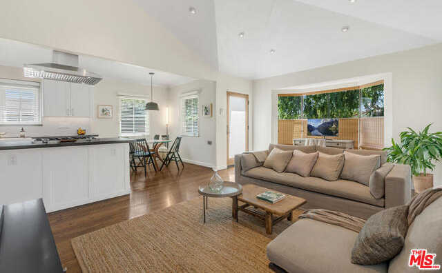 $1,235,000 - 2Br/Ba -  for Sale in Culver City