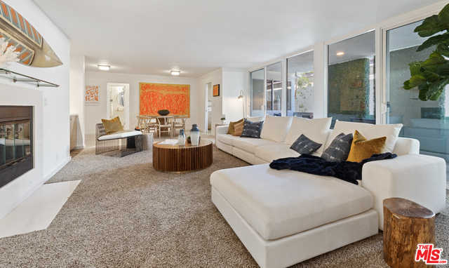 $1,095,000 - 2Br/Ba -  for Sale in Santa Monica