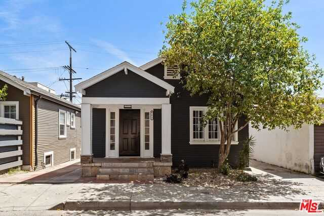 $688,000 - 2Br/Ba -  for Sale in Los Angeles