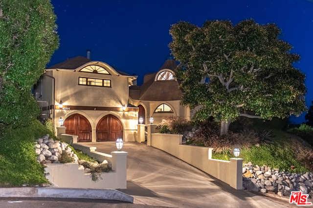$2,300,000 - 2Br/Ba -  for Sale in Malibu