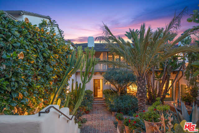 $13,995,000 - 4Br/Ba -  for Sale in Pacific Palisades