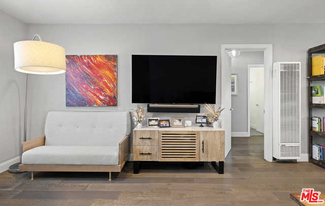 $899,000 - 2Br/2Ba -  for Sale in Santa Monica