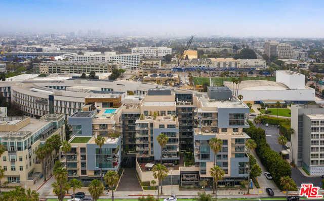 $1,995,000 - 1Br/2Ba -  for Sale in Santa Monica