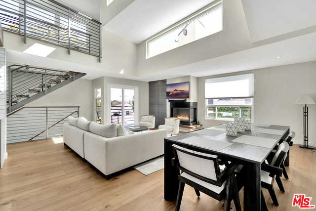 $1,939,000 - 2Br/3Ba -  for Sale in Santa Monica