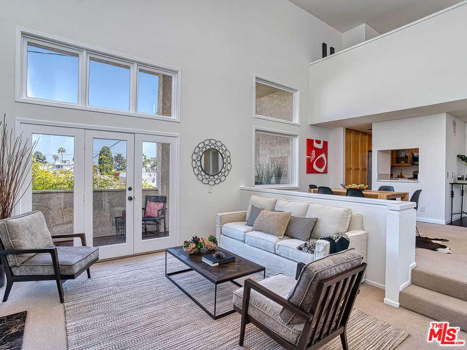 $1,375,000 - 2Br/2Ba -  for Sale in Santa Monica