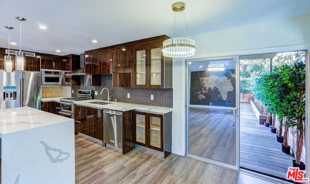 $899,950 - 2Br/2Ba -  for Sale in Los Angeles