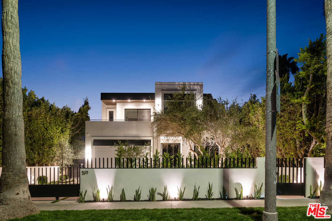 $4,095,000 - 4Br/5Ba -  for Sale in Los Angeles