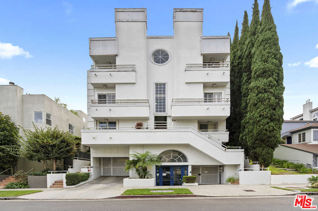 $865,000 - 2Br/3Ba -  for Sale in Los Angeles