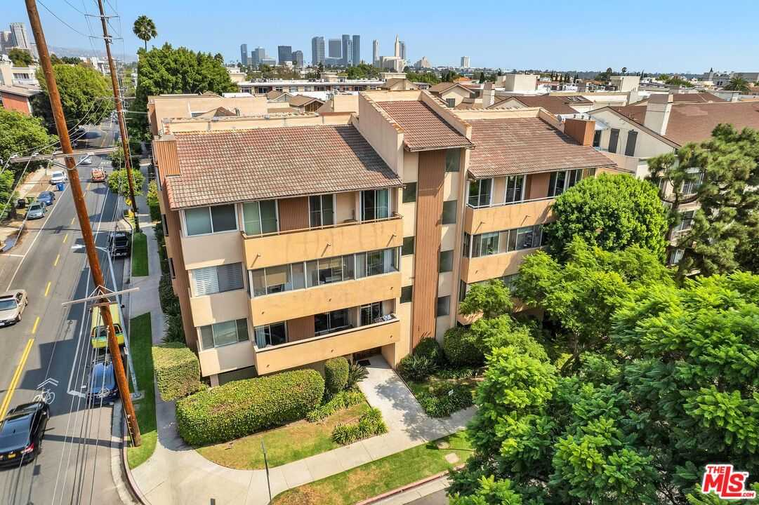 $798,000 - 2Br/2Ba -  for Sale in Los Angeles