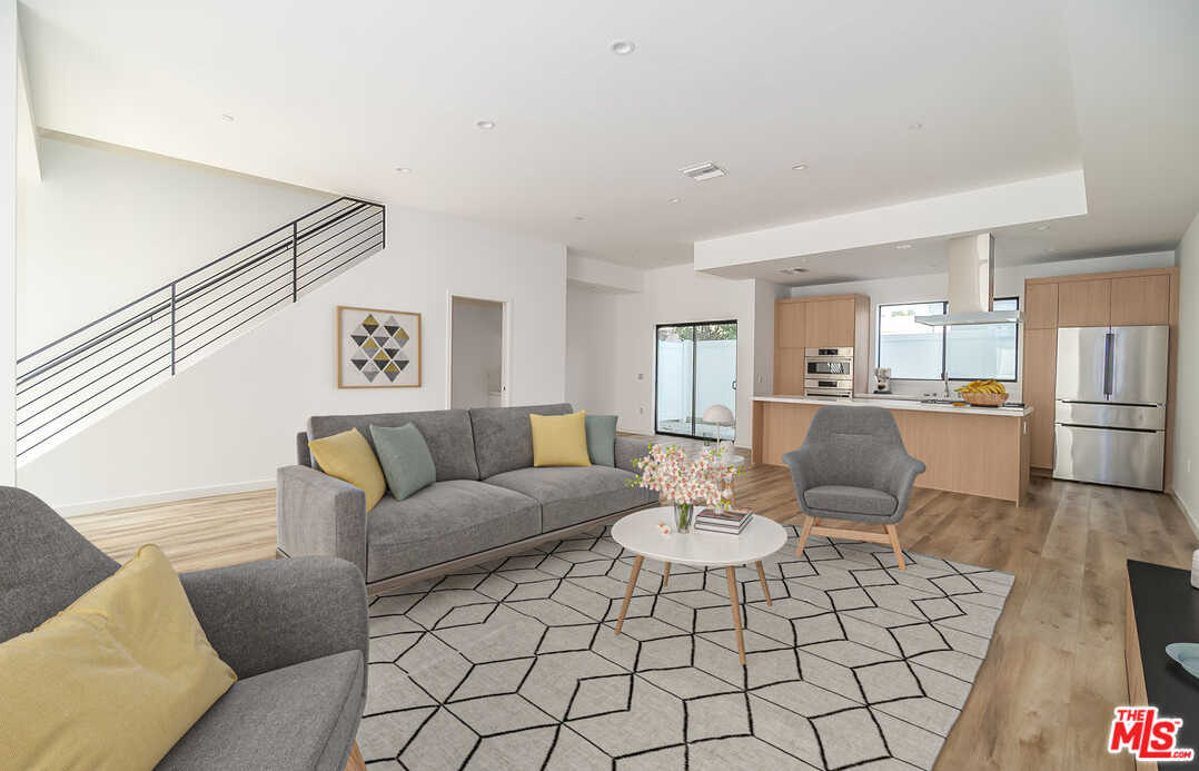 $1,365,000 - 3Br/3Ba -  for Sale in Los Angeles