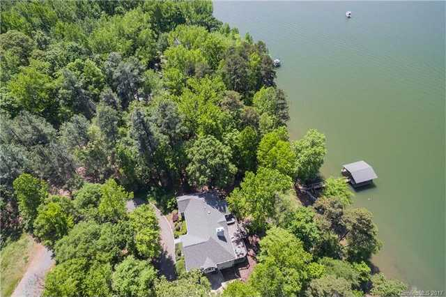 $834,000 - 4Br/3Ba -  for Sale in Browns Cove, Charlotte