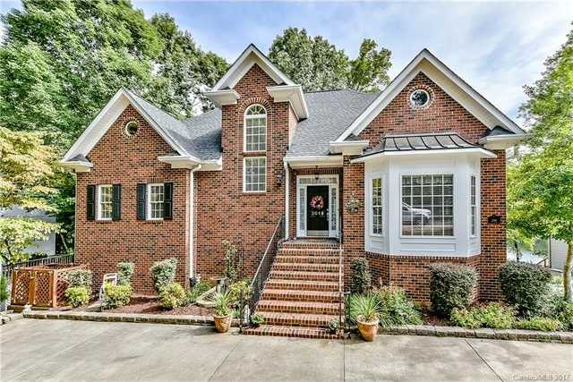 $720,000 - 5Br/4Ba -  for Sale in None, Tega Cay