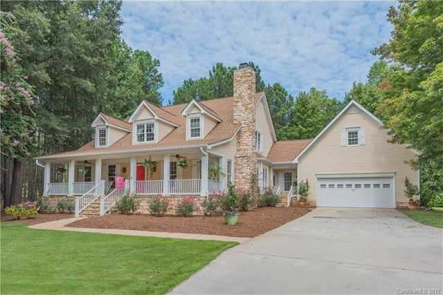 $775,000 - 4Br/5Ba -  for Sale in Lake Wylie, Charlotte