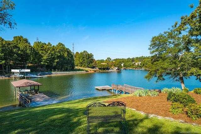 $890,000 - 3Br/4Ba -  for Sale in River Lake, Tega Cay