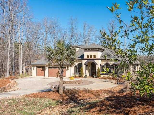$1,040,000 - 4Br/3Ba -  for Sale in None, Lake Wylie