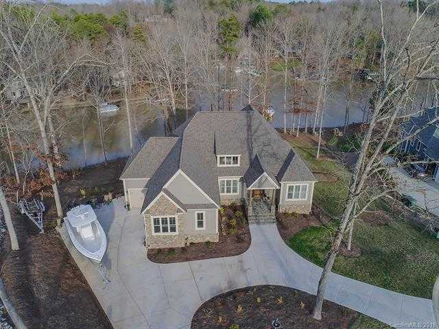 $914,900 - 4Br/5Ba -  for Sale in The Retreat At Sunset Ridge, Lake Wylie
