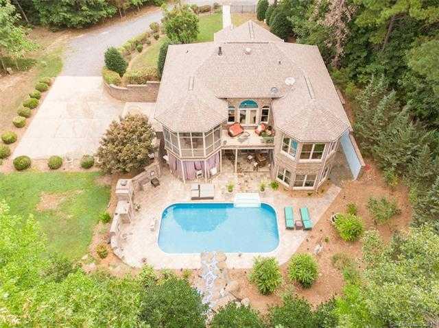 $564,900 - 3Br/3Ba -  for Sale in None, Charlotte
