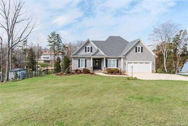 $825,000 - 4Br/5Ba -  for Sale in None, Lake Wylie