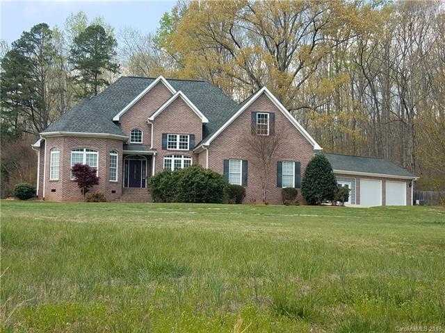 $448,900 - 4Br/3Ba -  for Sale in None, Clover