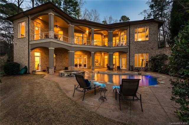 $1,989,000 - 6Br/6Ba -  for Sale in Lookout Point, Huntersville