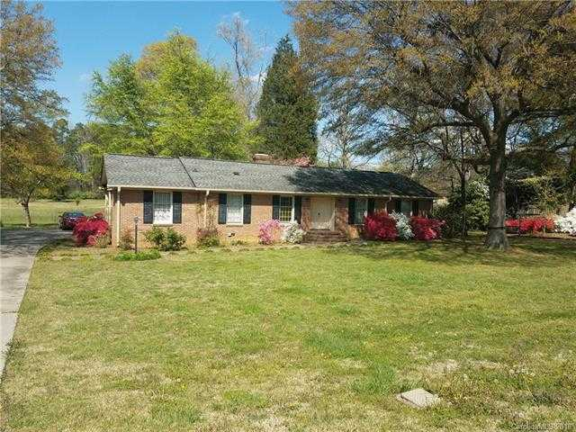 $189,000 - 3Br/2Ba -  for Sale in None, Charlotte