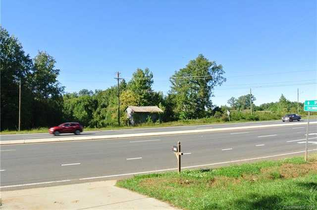 $675,000 - 3Br/2Ba -  for Sale in Clearview Acres, Charlotte