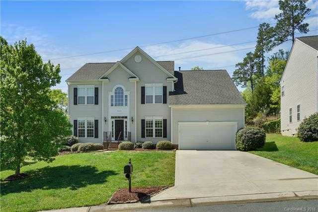 $297,500 - 4Br/3Ba -  for Sale in Autumn Cove At Lake Wylie, Lake Wylie