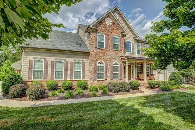 $575,000 - 5Br/5Ba -  for Sale in Fallbrook, Fort Mill