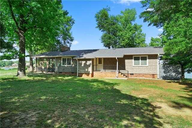 $849,900 - 2Br/2Ba -  for Sale in None, York
