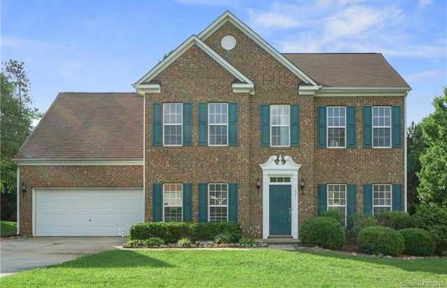 $268,000 - 4Br/3Ba -  for Sale in Autumn Cove At Lake Wylie, Lake Wylie