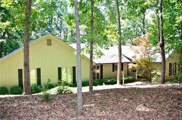 $325,000 - 3Br/3Ba -  for Sale in Harbor Oaks, Charlotte