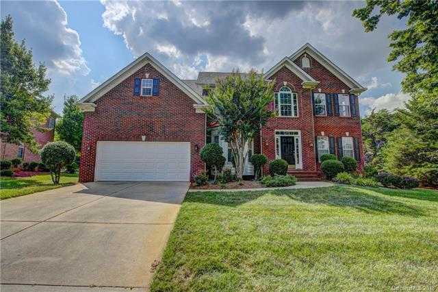 $359,000 - 4Br/3Ba -  for Sale in Highland Creek, Charlotte