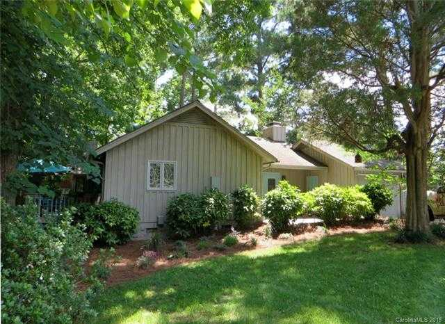 $345,000 - 3Br/3Ba -  for Sale in River Hills, Lake Wylie