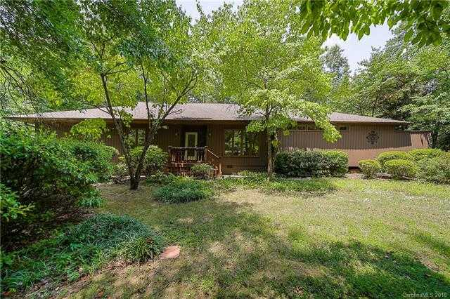 $348,000 - 4Br/3Ba -  for Sale in River Hills, Lake Wylie