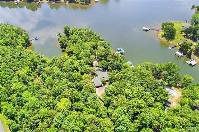 $799,900 - 3Br/2Ba -  for Sale in None, Lake Wylie