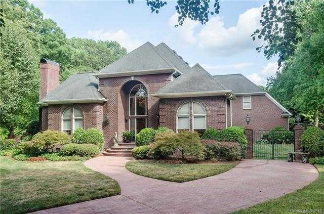 $550,000 - 4Br/4Ba -  for Sale in Hidden Hills, Mint Hill