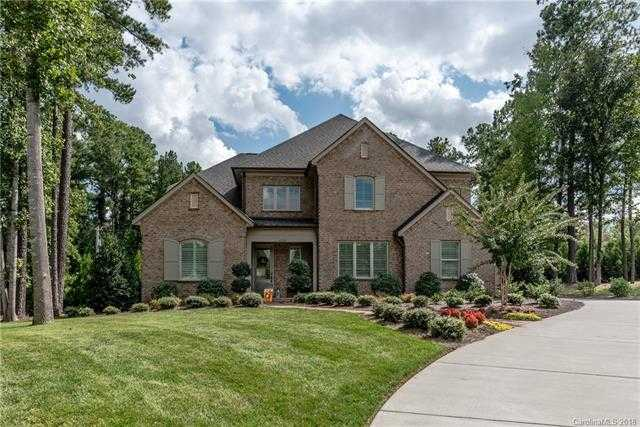 $589,900 - 4Br/4Ba -  for Sale in Cheval, Mint Hill