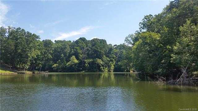 $668,700 - 4Br/3Ba -  for Sale in Lake Wylie, Charlotte
