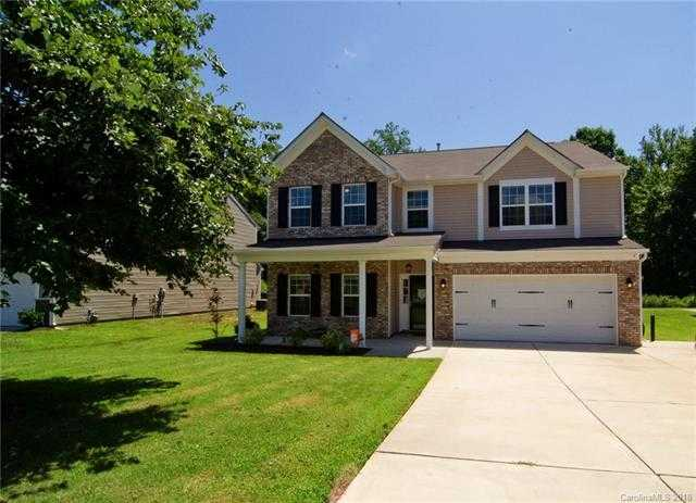 $325,000 - 4Br/3Ba -  for Sale in Mill Creek Falls, Lake Wylie