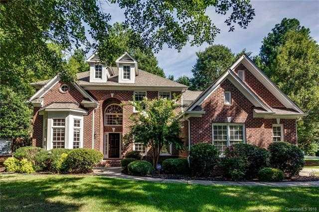$489,500 - 5Br/4Ba -  for Sale in The Landing, Lake Wylie