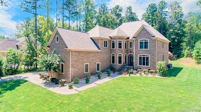 $568,000 - 5Br/5Ba -  for Sale in The Coves On River Oaks, Lake Wylie