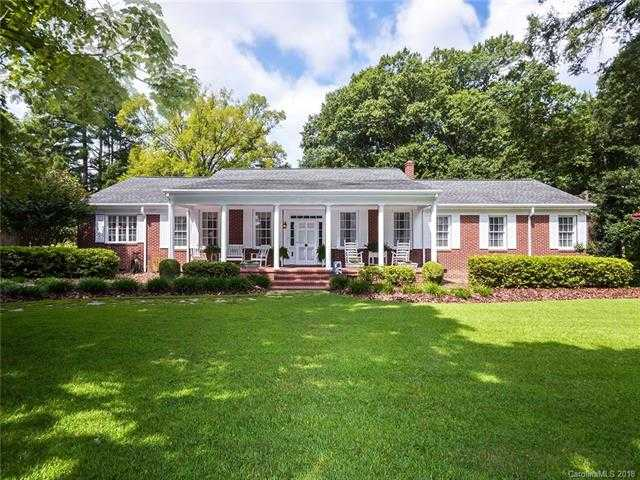 $472,000 - 4Br/3Ba -  for Sale in None, Clover